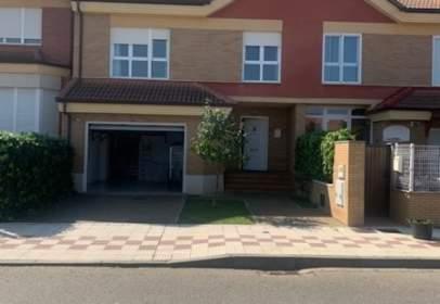 Casa en Villarrodrigo de Las Regueras