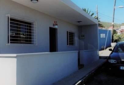 Casa en calle calle Camelia, nº 1