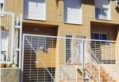 Casa adosada en calle calle Las Limas