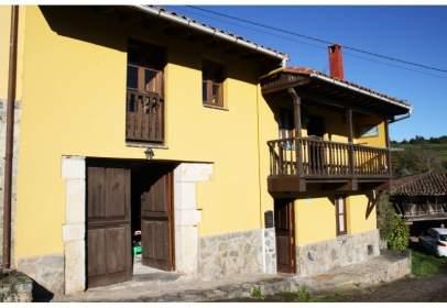 Casa a Casa en Venta en La Riera Colunga, Asturias