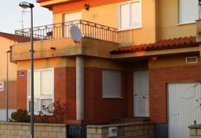 Chalet in calle Santo Tomas