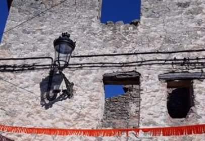 Casa en calle de Abajo, cerca de Calle de Enmedio