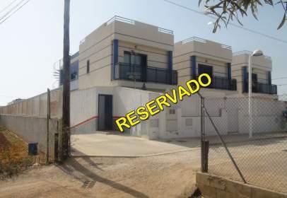 Casa adossada a calle Cal Puntal Ae