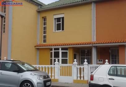 Casa adossada a calle San Antonio de Padua, nº 4