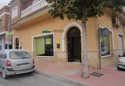 Local comercial a Avenida Guillermo Reyna