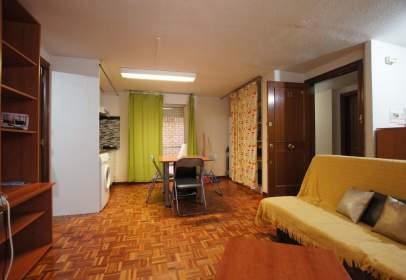 Apartament a Avenida de Víctor Gallego