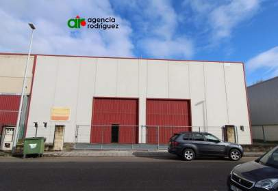 Nau industrial a calle Riaño II - los Sotos