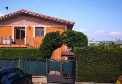 Casa adosada en Carretera Treviño