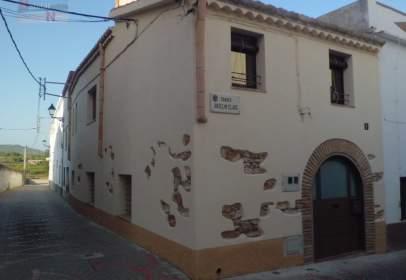 Casa adossada a La Bisbal del Penedès