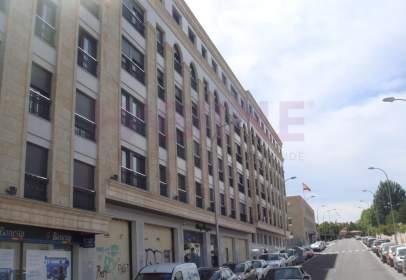 Local comercial en Avenida de Raimundo de Borgoña, nº 25