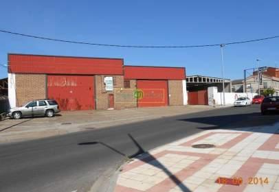 Nave industrial en Avenida de la Constitución, cerca de Calle de la Madera