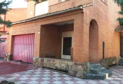 Chalet en calle de Guirnalda