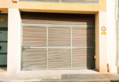 Garatge a Avenida Arquitecto Romaní