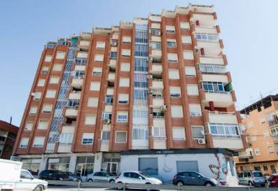 Pis a calle Clara Campoamor, nº 11