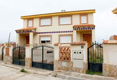 Chalet in calle Barrio Nuevo, nº 11