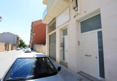 Local comercial en calle Francesc Juanola-