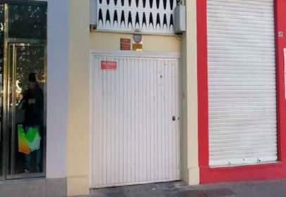 Garatge a Avenida de José María Alcaraz y Alenda