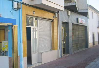 Casa en Avenida del Trujillo, cerca de Calle de Cervantes