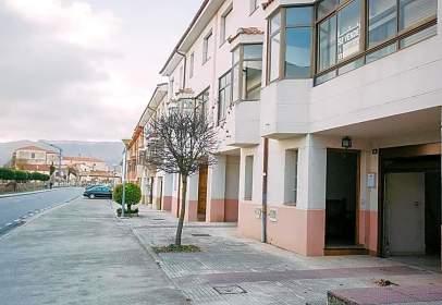 Casa adossada a Medina de Pomar