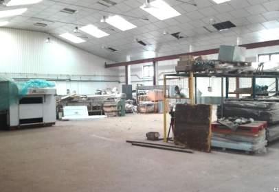 Nau industrial a calle de La Torre del Pino