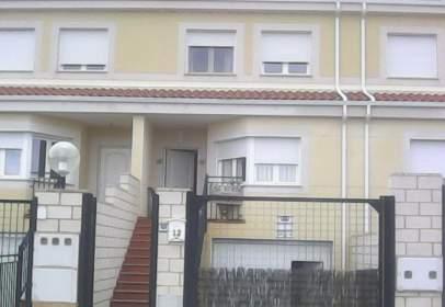 Chalet en calle Geránios