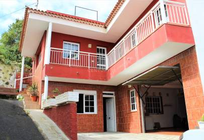 Casa en calle calle Las Caladoras, nº 8