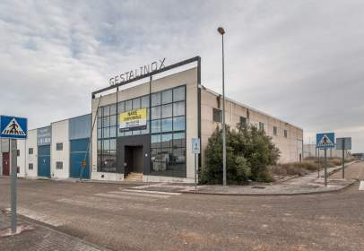 Nave industrial en calle Bujalance, nº 18