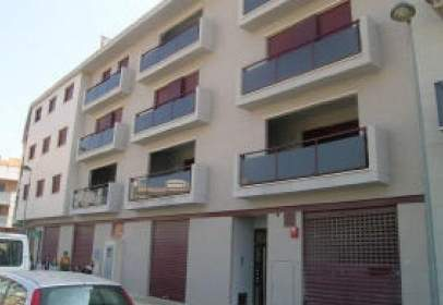 Commercial space in calle Serra de Mariola, nº 3