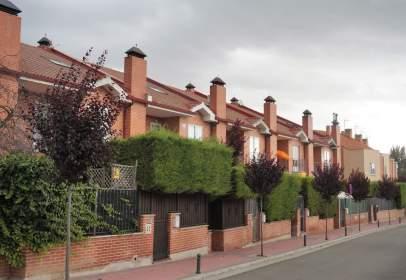 Chalet in Fuensaldaña