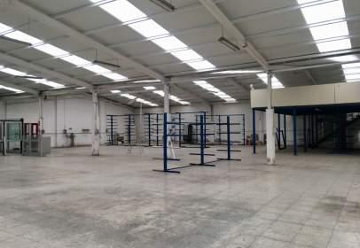 Nave industrial en Castilla Hermida