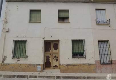 Casa adosada en calle de Ramón y Cajal, nº 44