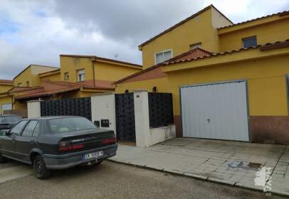 Casa adosada en Villaralbo