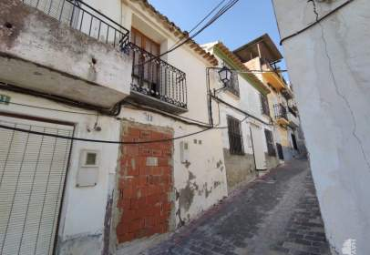 Casa adosada en calle de Castillo, nº 13
