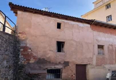 Paired house in Pradoluengo
