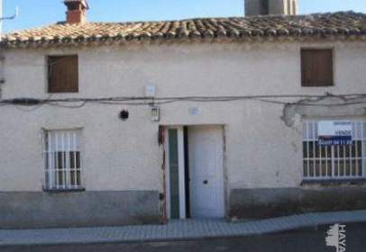 Casa adosada en Paredes de Escalona