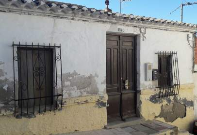 House in calle Claveles, nº 12
