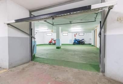 Garage in Núcleo Urbano