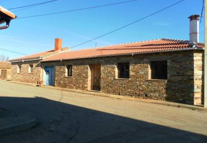House in Santiago Millas