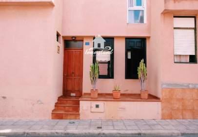 Casa adosada en Guía de Isora