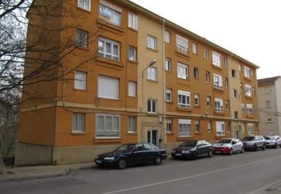 Flat in calle Concha Espina, nº 20