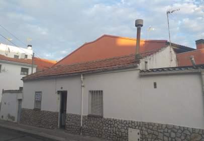 Chalet in calle Navalcarnero, nº 13