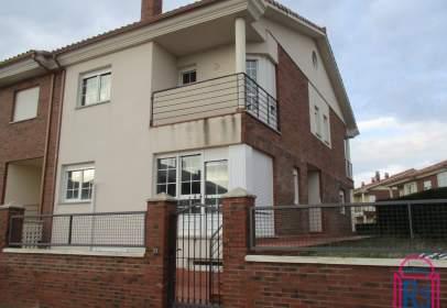 Terraced house in Urb. Bellavista
