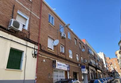 Piso en calle de Bernardina Aranguren