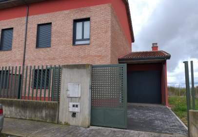 House in calle Cardeñajimeno-El Almendro