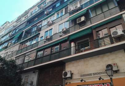 Garatge a calle Sanchez Barcaiztegui, nº 38