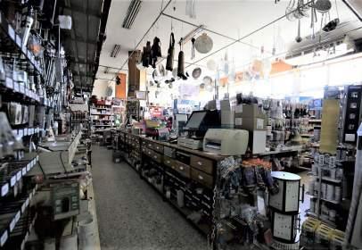 Local comercial en Torrox Costa, en El Centro, Cerca del Mar, Zona Comercial