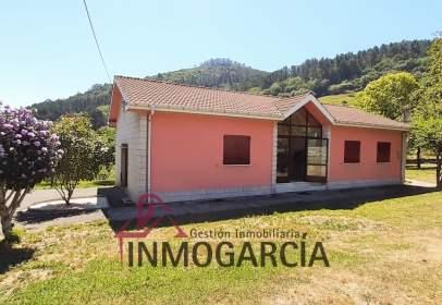 Casa a San Román de Candamo