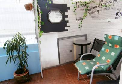 Flat in calle Julio de Pablo, nº 7
