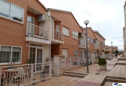Chalet in calle Rio Ebro