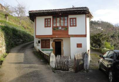 House in calle Niao, nº 18